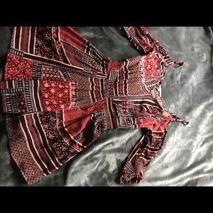 Mini patterned dress open shoulder